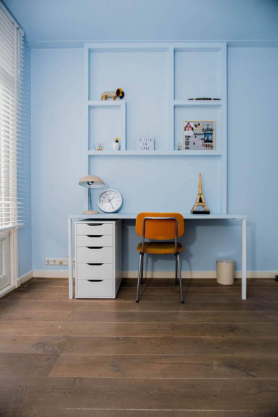 Kinderkamer op maat - detail bureau met wandvakken